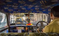 印度駕駛超愛按喇叭 警1招秒安靜