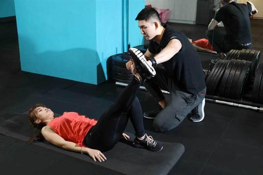 靠著專業教練的指導,李佳歡對自己的減重計畫很有信心。(圖/許方正攝)
