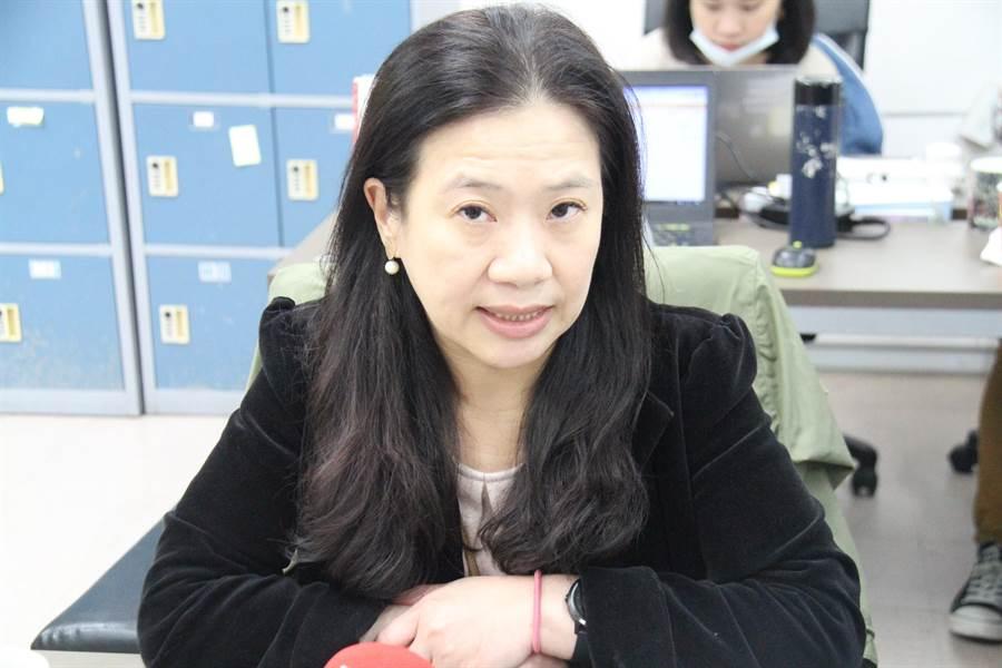 台北市教育局主祕陳素慧今宣布,各校寒假課輔即日起暫時停辦。(譚宇哲攝)