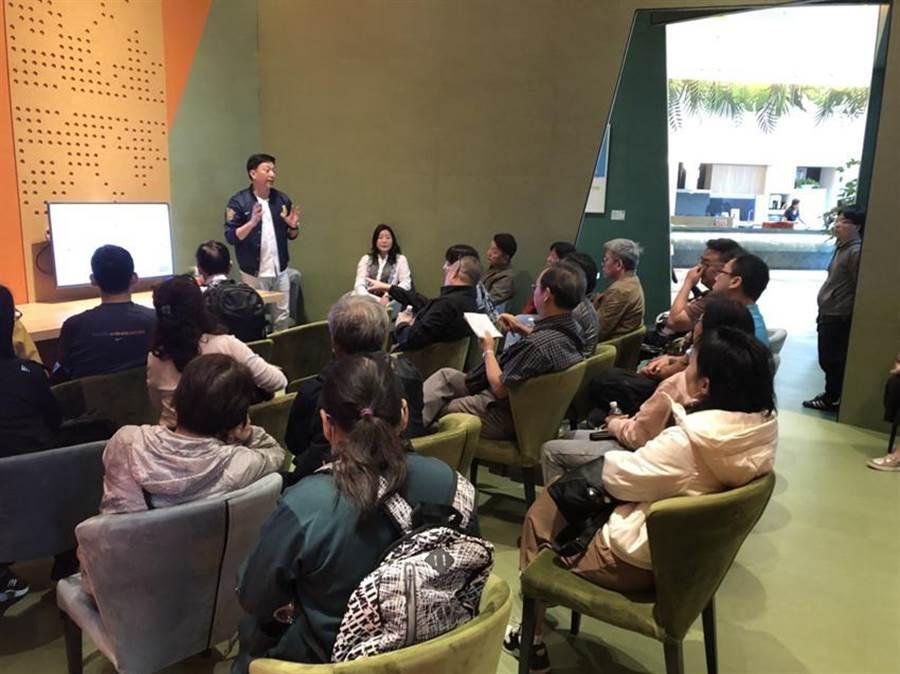 永福地產「洲際W」案位於台中洲際娛樂商城首排,初四開工吸引不少置產客賞屋。(圖/業者)