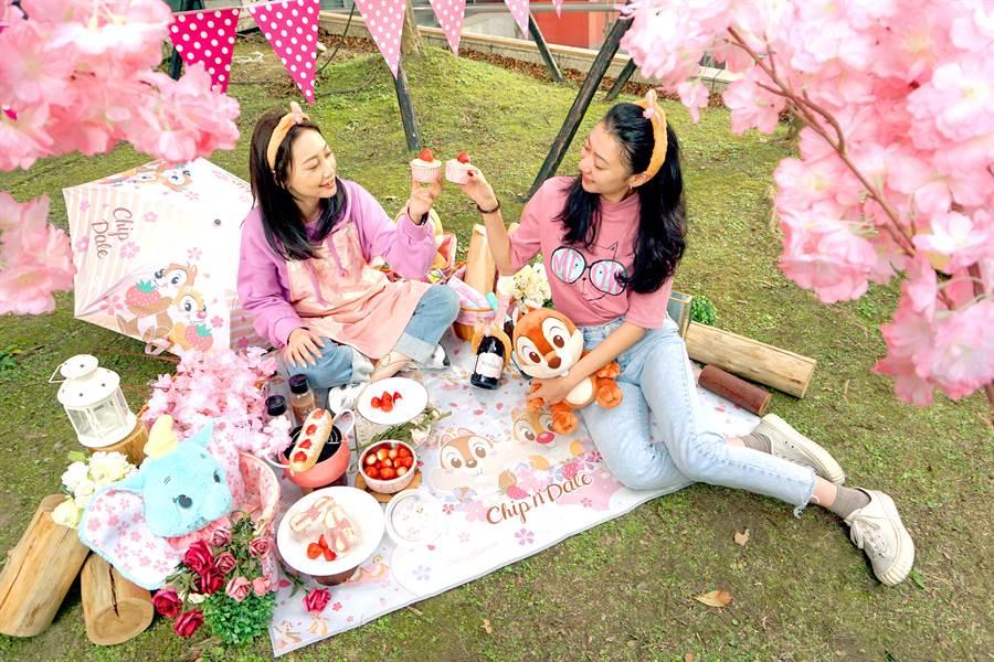 【迪士尼櫻花季】粉紅野餐派對示意圖(統一時代百貨台北店 拍攝)。(邁思娛樂 提供)