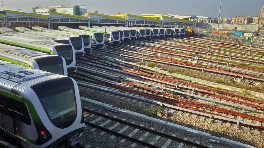 台中捷運綠線全長16.71公里,共有18座車站,除頭、尾2站為平面車站外,其它16座車站均為高架車站。(盧金足攝)