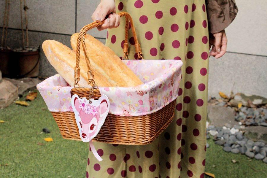 【迪士尼櫻花季】櫻花季野餐籃(小鹿斑比款)。(邁思娛樂 提供)