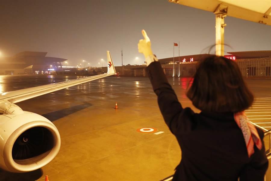 對於包機問題,陸委會坦言,這還有很多變數。圖為武漢天河機場。(示意圖/中新社資料照片)