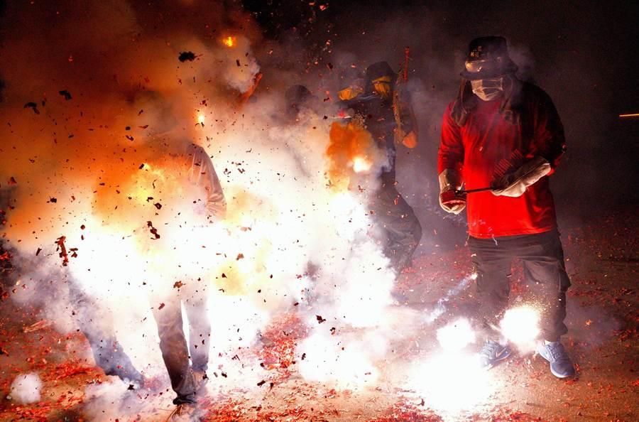 台東縣環保局呼籲,元宵遶境活動期間,凌晨1時至翌日上午5時止,不得燃放爆竹。(莊哲權攝)