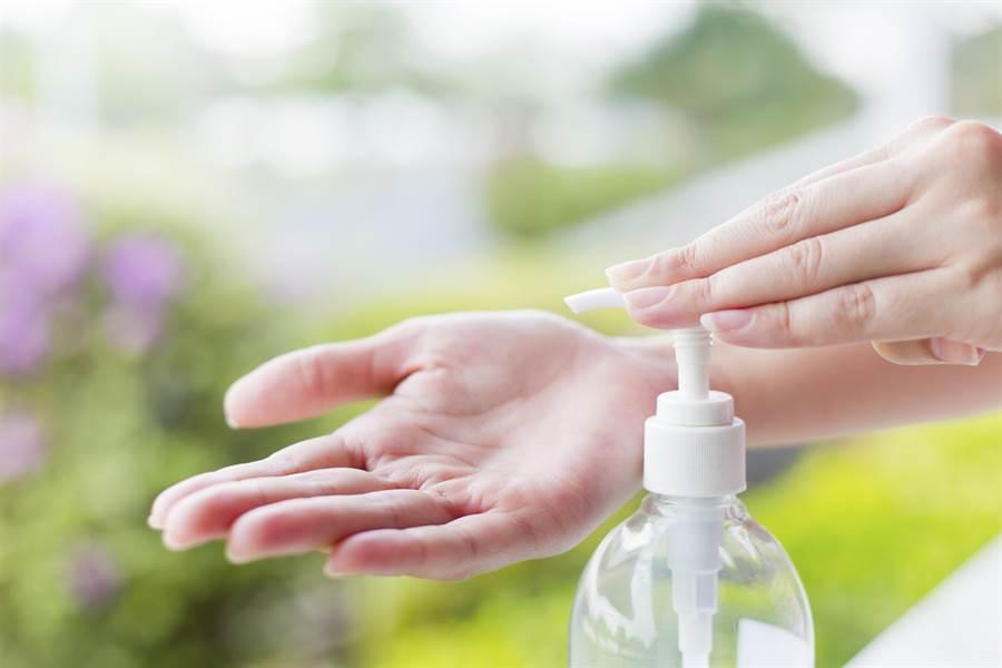 世界衛生組織表示,大蒜、生理食鹽水等不能防止武漢肺炎病毒。(達志)