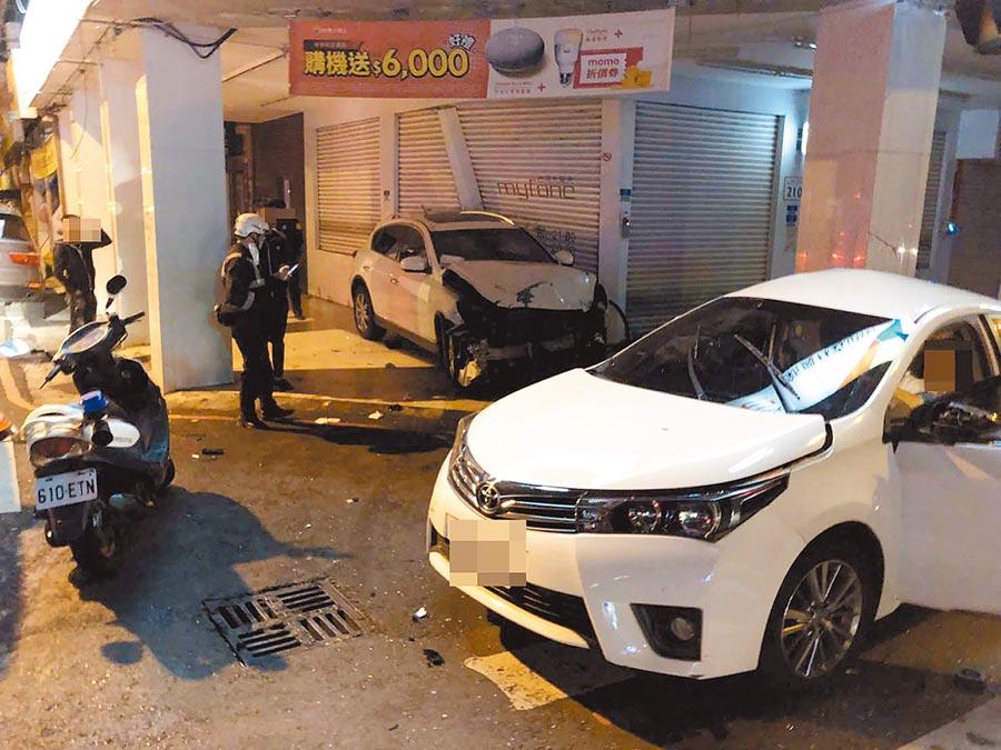 高雄19歲黃姓男子2日駕駛休旅車闖紅燈,撞上轎車奪走1條性命。(新興警分局提供/柯宗緯高雄傳真)