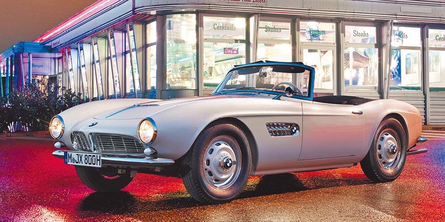 貓王(Elvis Presley)的BMW 507,此車經由BMW Group Classic耗時2年精心修復,並於2016年加州圓石灘車展重現車壇。(BMW提供)