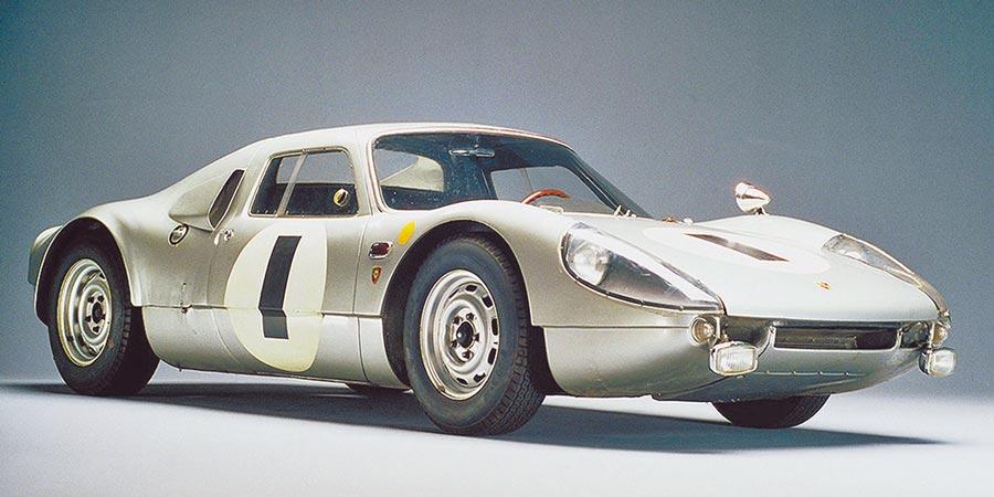 PORSCHE 904 Carrera GTS完整移植當時最先進的賽道科技,開啟GTS系列跑車超過半世紀的輝煌篇章。(PORSCHE提供)