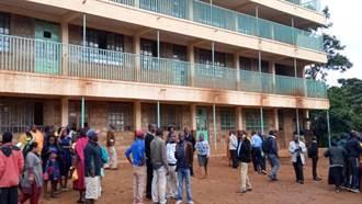 肯亞小學下課推擠 14名學童踩踏死亡