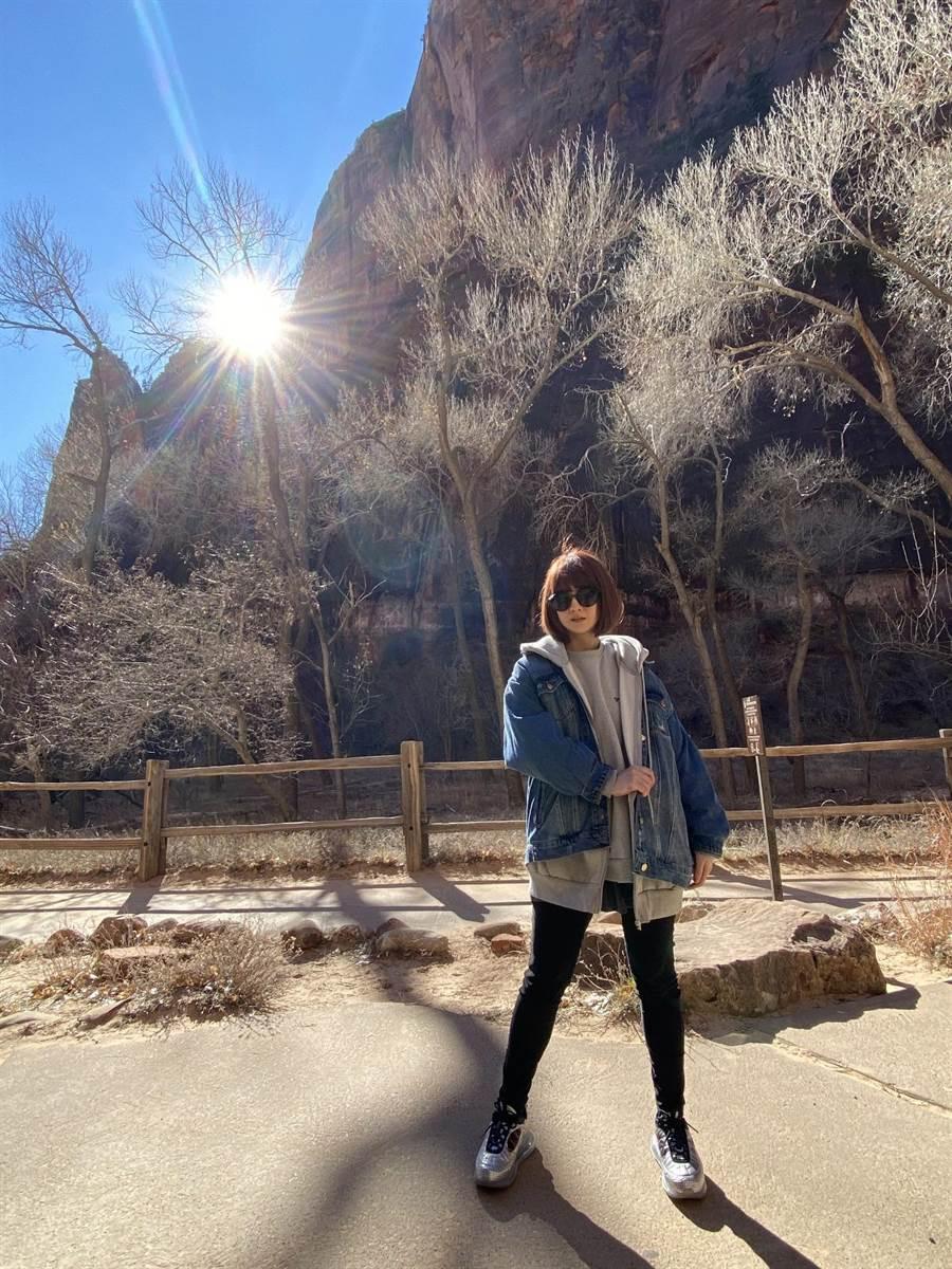 郭靜日前赴美國錫安國家公園參觀。(經紀人提供)