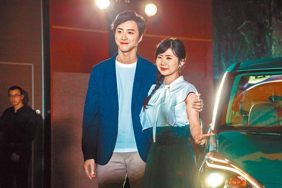福原爱(右)与老公江宏杰感情甜蜜。(资料照片)