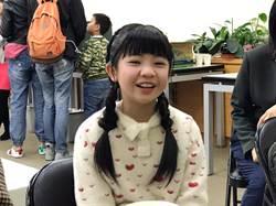 誰說延後開學很開心?11歲「小嘉玲」吳以涵反應超崩潰