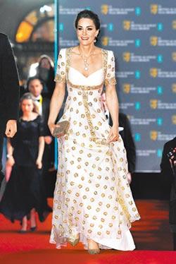 凱特王妃舊衣新穿 戴梵克雅寶展貴氣