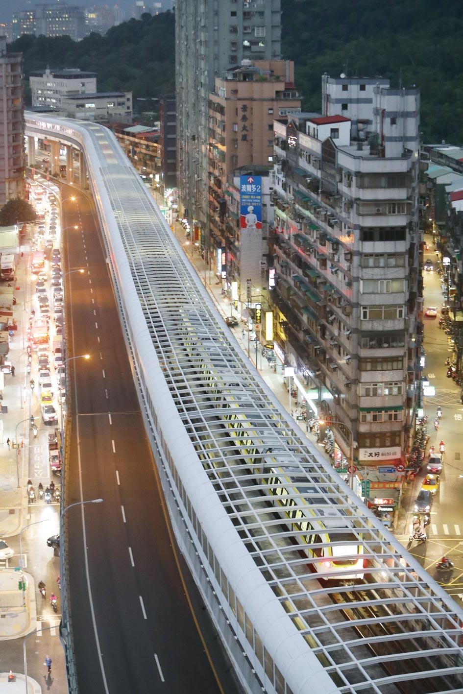 捷運環狀線通車,人潮版圖重新洗牌。圖/本報資料照片