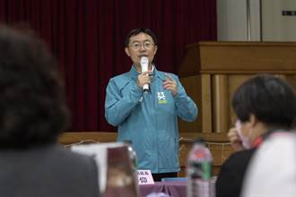 補習業者透過民代李坤城 發送2000兒童口罩