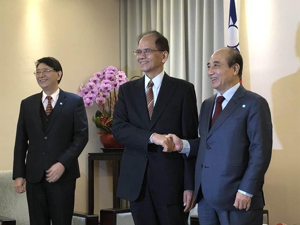 立法院長游錫堃上午拜會前立法院長王金平。(趙婉淳攝)