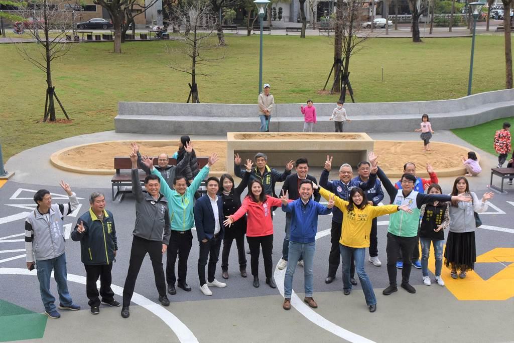 新竹市關新公園落成啟用,除改善排水系統,也以共融式設計,適合全年齡市民使用。(莊旻靜攝)