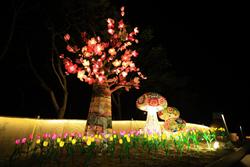 5米高的櫻花樹! 台灣燈會「綺麗花都」繽紛綻放