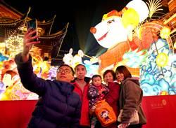 2020武漢風暴》上海發現45起群聚感染疫情 親友聚會佔38起