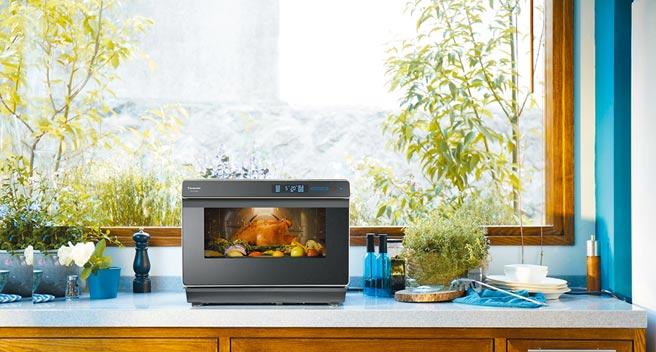 Panasonic蒸氣烘烤爐NU-SC300B,定價1萬9900元。(Panasonic提供)