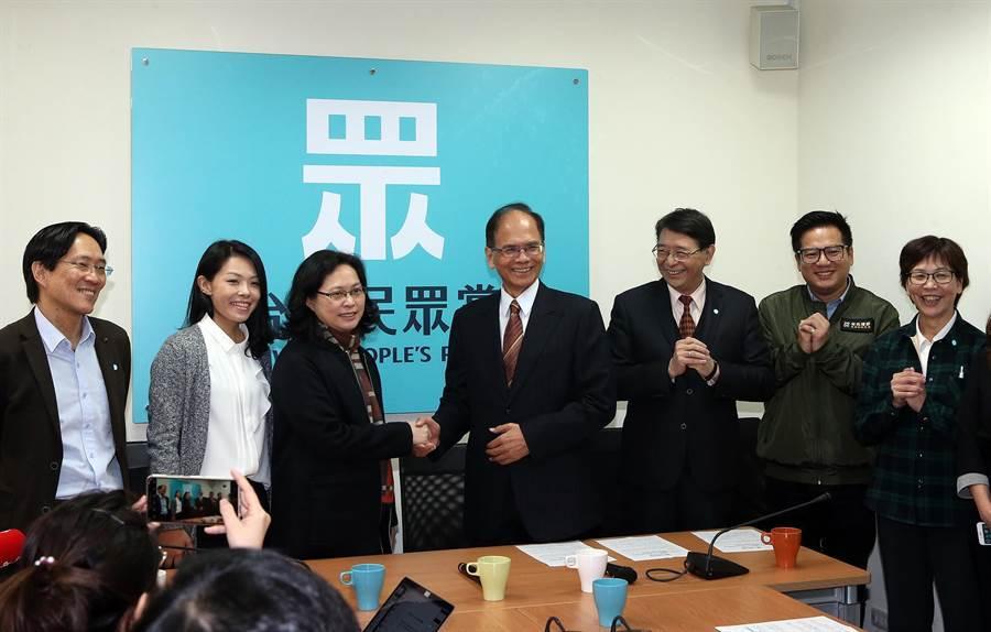 游錫堃拜會台灣民眾黨黨團。(趙雙傑攝)