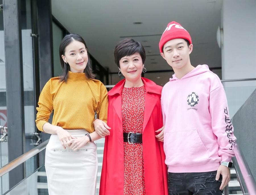 鍾瑶(左起)、崔佩儀、貝克宇。盧禕祺攝