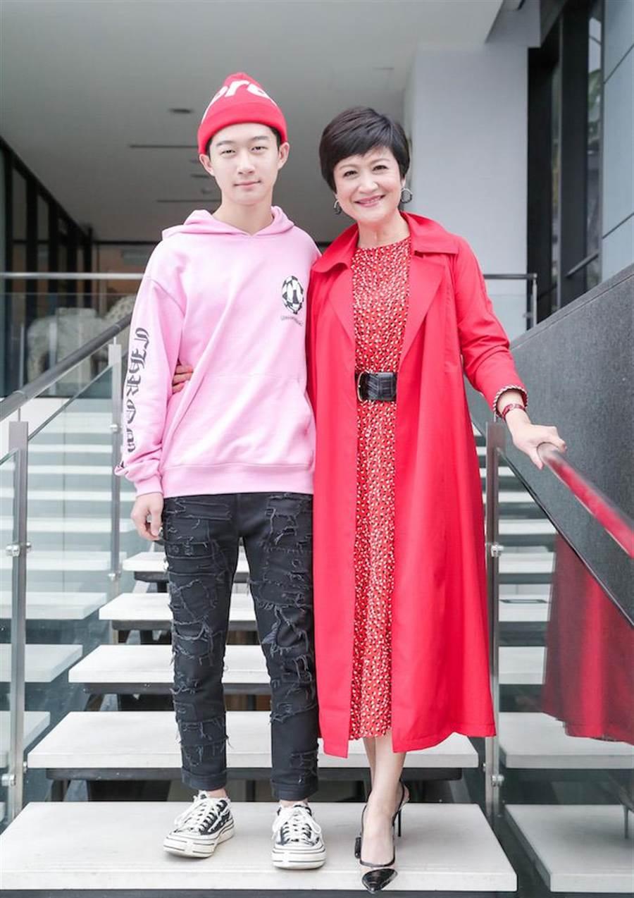 崔佩儀和兒子貝克宇。盧禕祺攝