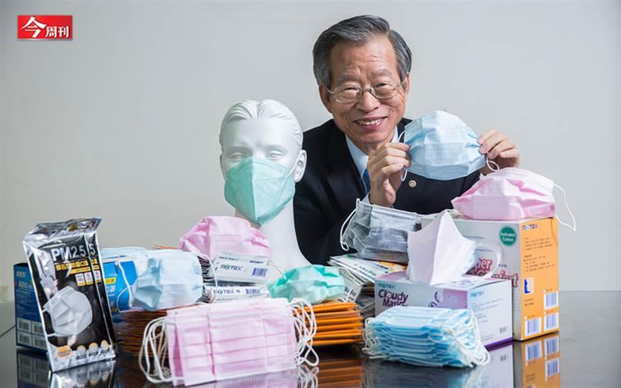 鄭永柱追求創新,期許用好品質口罩滿足更多不同類型的消費者。(攝影/陳弘岱)