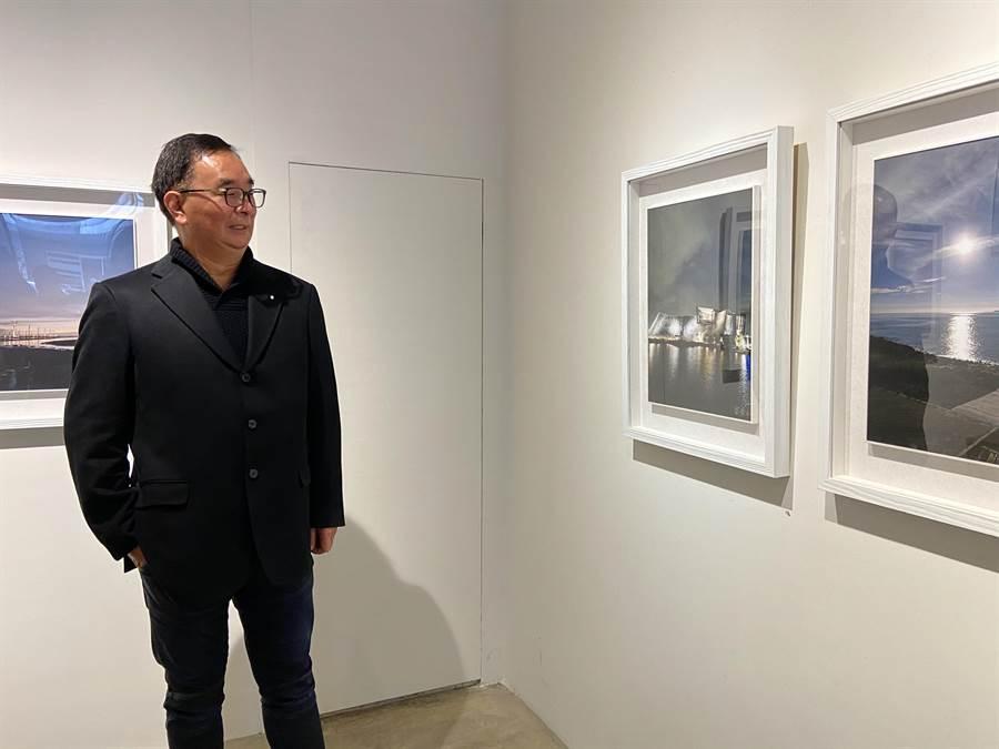 故宮南院外觀像元寶的造型,在麗明營造董事長吳春山的手機拍攝下,呈現大器的建築風彩。(盧金足攝)