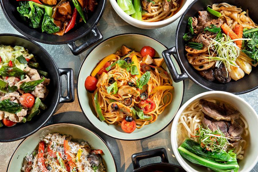 晶華午晚餐將供應的五星獨饗套餐,囊括了晶華冠軍清燉牛肉麵等八款質量兼備的中西式經典佳餚。(晶華提供)