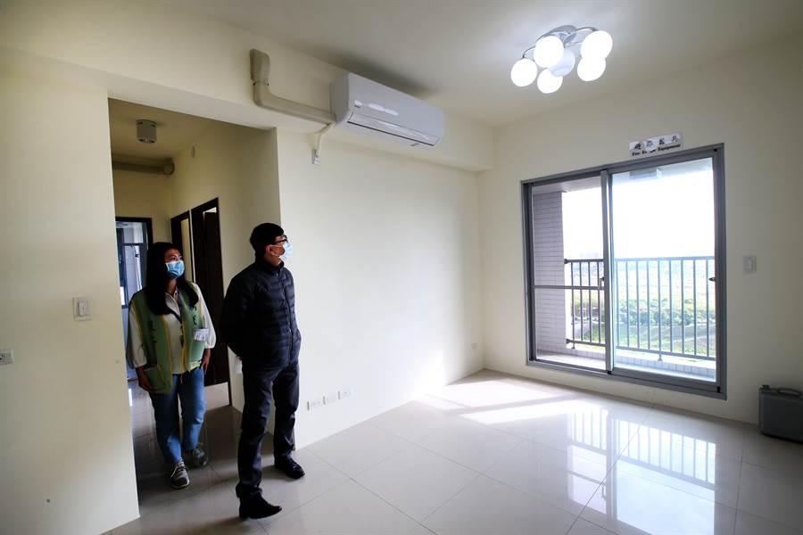 中市首座由民間企業回饋的的社會住宅「南屯精科樂活好宅」7日起3日開放市民參觀。(黃國峰攝)  3