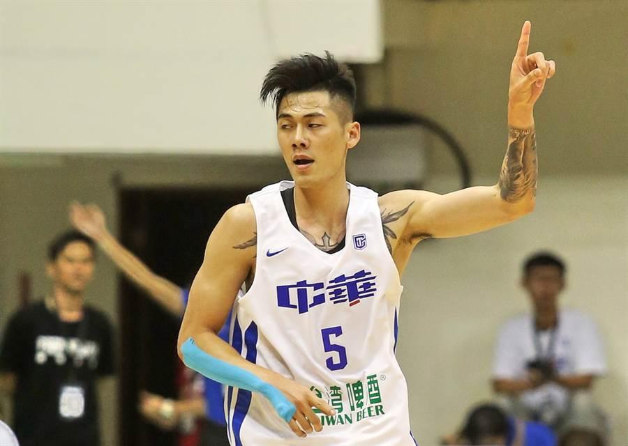 特地返台加入中華男籃的劉錚,卻因居家隔離14天趕不上亞洲盃出賽。(中華籃協提供/黃及人台北傳真)