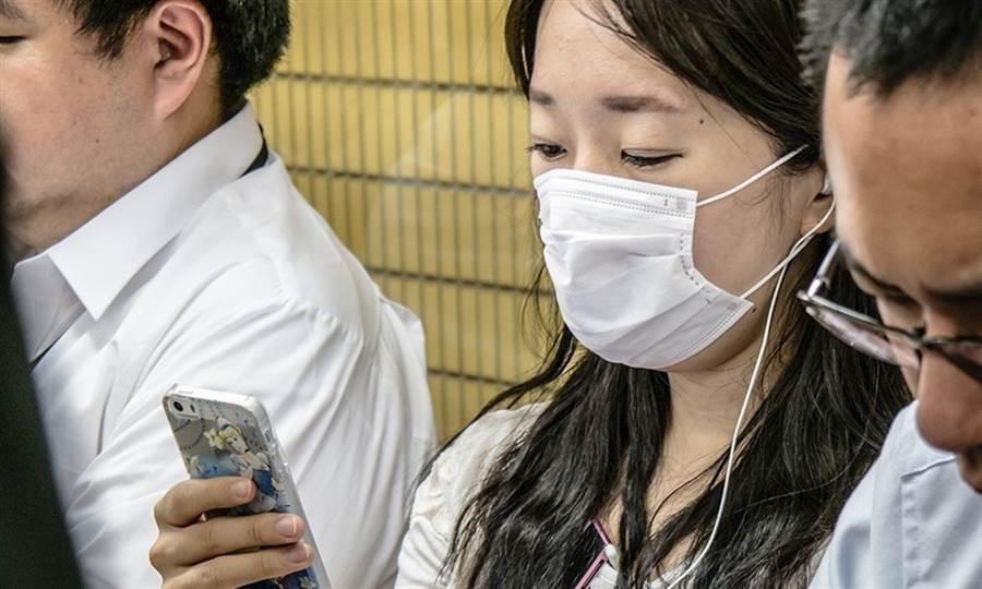 7天限購2片口罩,造成網路上各種口罩循環在利用的方法在各群組瘋傳,哪些方法真的有用?(圖/Pixabay)