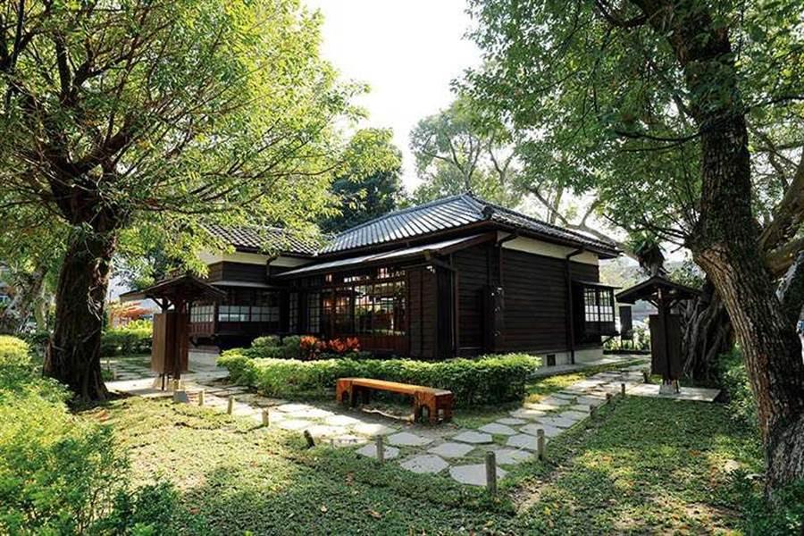 壹號館是木造的日式建築,具有高架設計的特色。(圖/于魯光攝)
