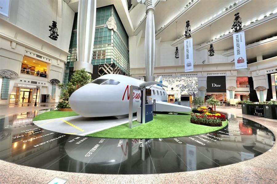 台灣地標101大樓一向是觀光客來台必到景點,此次鑽石公主號亦有少數旅客到訪101觀景台,在101周邊停留時間約90分鐘(圖為101購物中心精品大道)