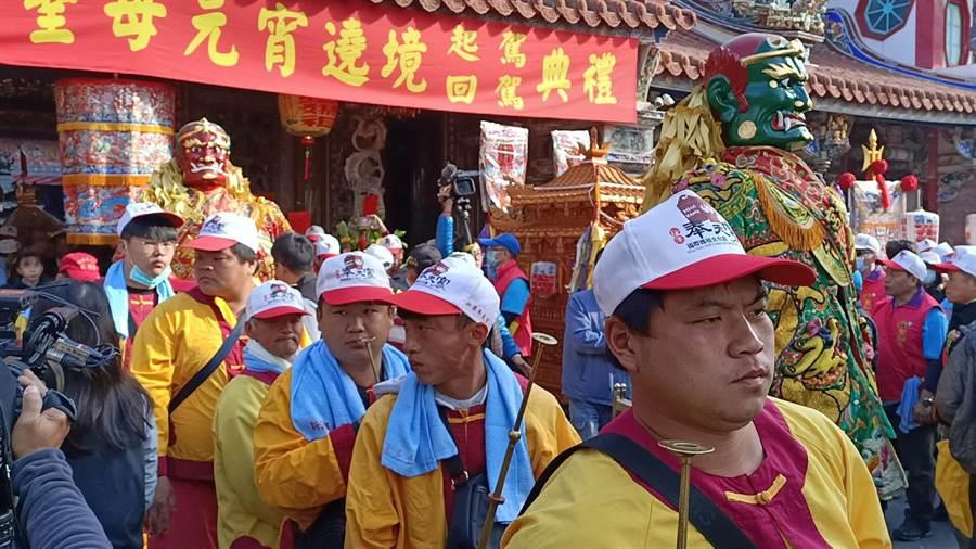 嘉義縣新港奉天宮8日舉行的元宵遶境活動,距今有300多年歷史。(張毓翎攝)