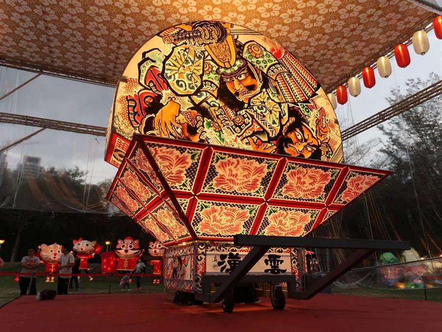 青森縣睡魔祭每年都吸引超過300萬人參觀,特別原汁原味搬到台灣燈會,每面花燈圖繪各具意義。(交通部觀光局提供/王文吉台中傳真)