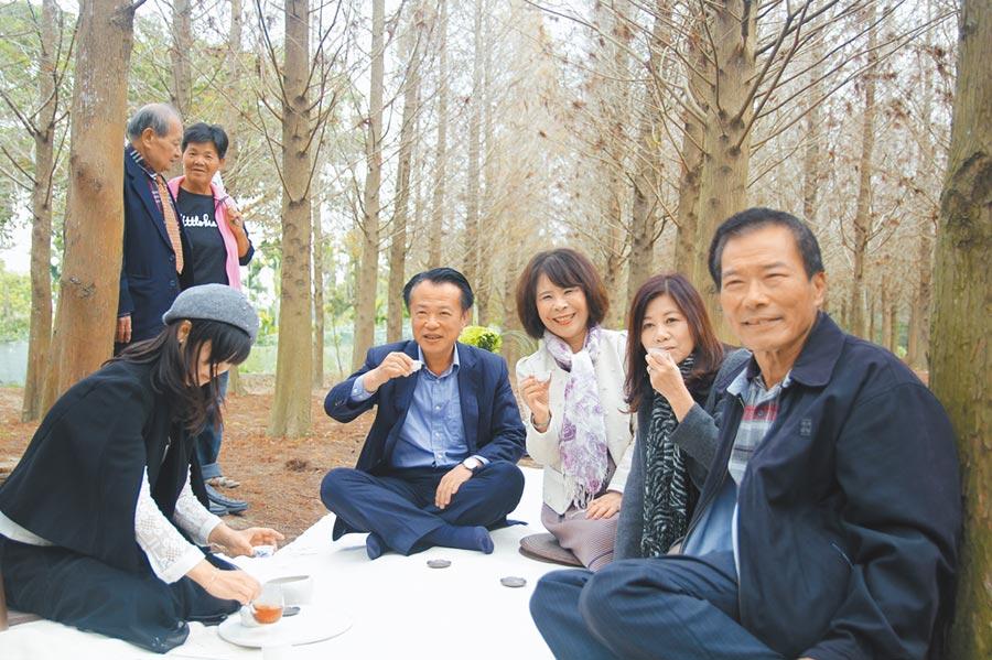 歡喜財神廟徵求百對情侶或夫妻14日到落羽松祕境參加森林茶宴,享受不一樣的情人節。(張亦惠攝)