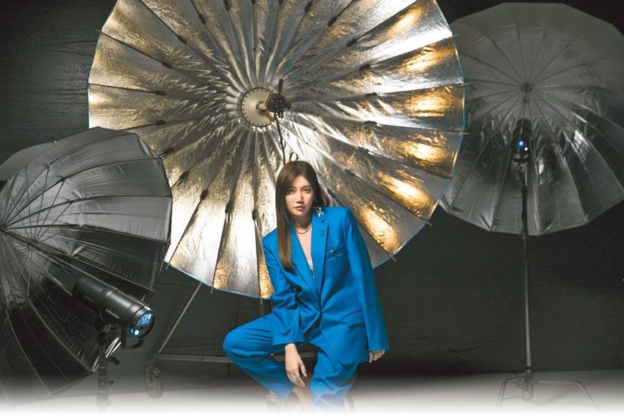 A-Lin新歌〈旅.課〉MV上架,日前受邀成為台灣YouTube Music首位開唱歌手。(索尼音樂提供)