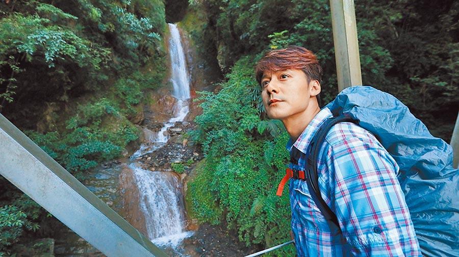 雲龍瀑布是八通關古道上最知名的瀑布,終年水量豐沛。(亞洲旅遊台提供)