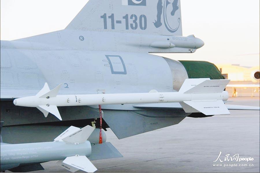 梟龍戰鬥機實現現代化改造,一舉成為了巴基斯坦空軍中的第一主力。(取自人民網)