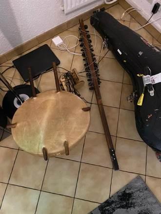 美國海關以安全為由  拆解馬利音樂家科拉琴
