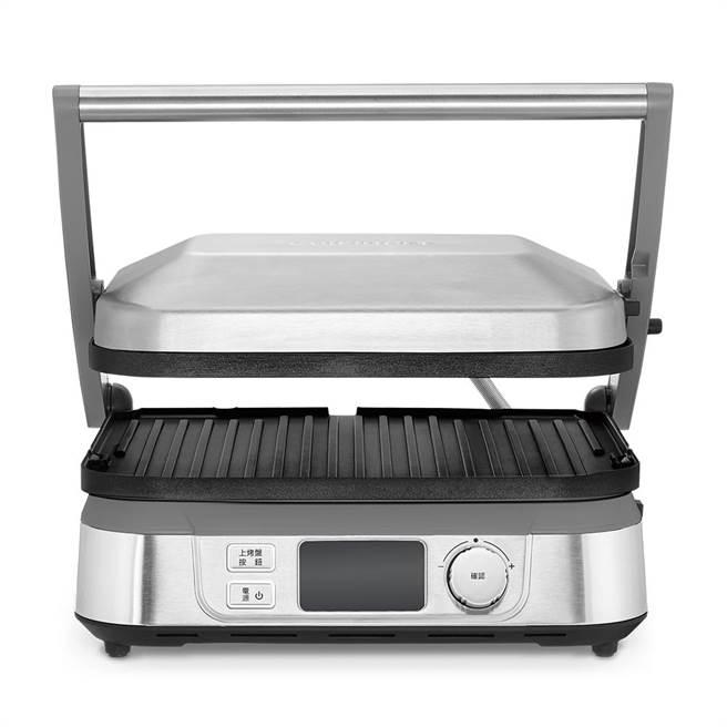 momo購物網的Cuisinart美膳雅數位面板溫控不沾電烤盤,原價4980元,2月28日前特價2680元。(momo購物網提供)