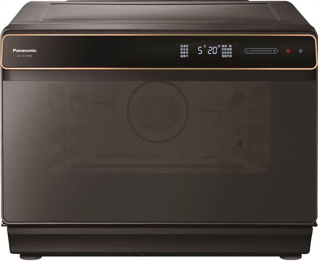 Panasonic蒸氣烘烤爐NU-SC300B,定價1萬9900元。 (Panasonic提供)