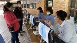 防疫升級 台南各大醫院要進去先刷健保卡