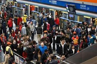 板南線二度異常 啟動昆陽到南港展覽館站區間公車接駁