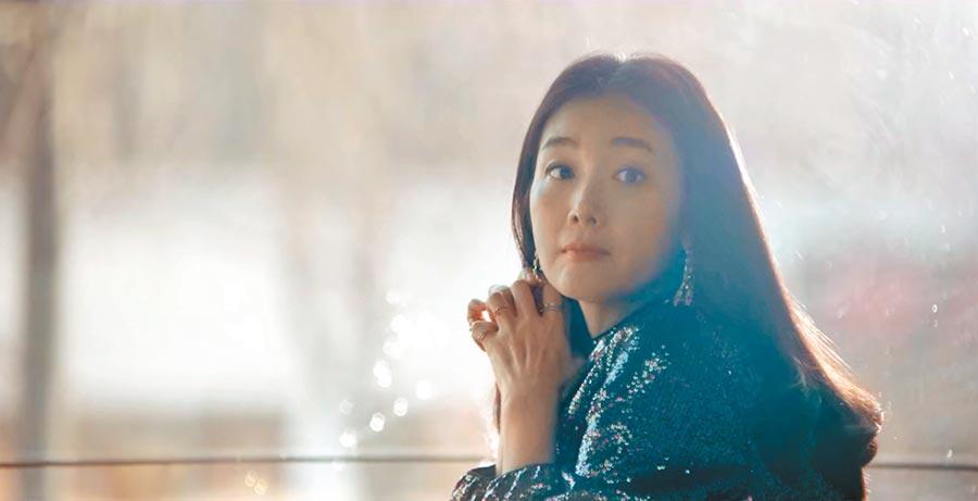 崔智友客串《爱的迫降》,透露自己也在追剧。 (Netflix提供)