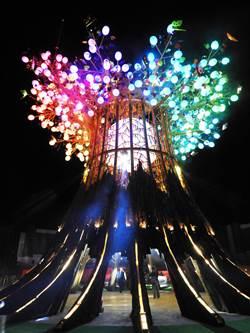 台灣燈會光之樹點亮夜空 民眾:史上最精彩