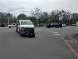 救護車與小客車相撞 1人輕傷送醫